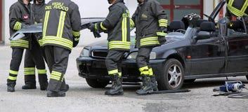 L'Italie, service informatique, Italie - 10 mai 2018 : Sapeurs-pompiers italiens pendant l'a photos libres de droits