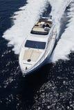 l'Italie, Sicile, île de Panaresa, yacht de luxe Photographie stock libre de droits