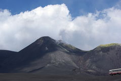 L'Italie, Sicile, montée de volcan de l'Etna image libre de droits