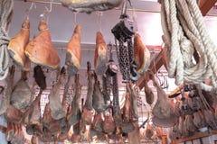 L'Italie, Toscane, intérieur d'une épicerie fine images stock