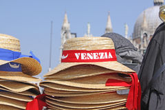 l'Italie Venise Masque et chapeau de carnaval Photographie stock libre de droits