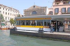 l'Italie Venise Vue de ville Station et passagers Images stock