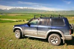 L'itinéraire de beau scénique à Bichkek avec les montagnes de Tian Shan du Kirghizistan Photos stock