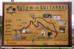 L'itinerario della chitarra firma dentro l'Ecuador immagini stock libere da diritti