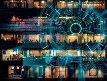 L'obiettivo di laser cyber su una città di notte ha offuscato il fondo Fotografia Stock Libera da Diritti