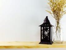 L'objet de décoration avec la maison de bougie de lanterne décorent Photo stock