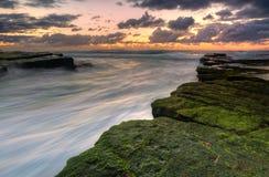L'océan coule chez Turrimetta Photographie stock