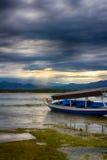 L'Océan Indien, marée basse, bateaux de pêche L'Indonésie Gili Air Début de la matinée, marée basse Image stock