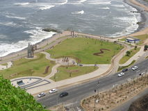 L'océan pacifique du parc de Yitzhak Rabin dans Miraflores Image libre de droits
