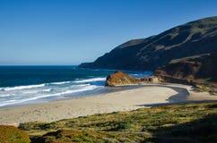 L'océan pacifique et plage photos libres de droits