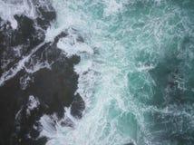 L'océan pacifique et Rocky Seashore en Californie images libres de droits