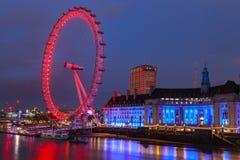 L'occhio di Londra è la ruota panoramica più alta in Europa Fotografia Stock