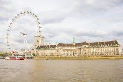 L'occhio di Londra ed il Tamigi a Londra Fotografia Stock Libera da Diritti