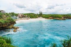 L'oceano del turchese e la spiaggia di sogno Fotografia Stock