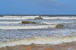 L'Oceano Indiano ondeggia lo Sri Lanka Fotografia Stock Libera da Diritti