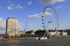 L'oeil R-U de Londres, le 14 décembre 2016 : L'oeil de Londres sur la Tamise dans la capitale de Londres Photographie stock libre de droits
