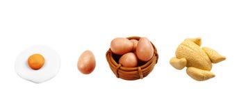 L'oeuf et le poulet miniatures ont fait frire le modèle de l'argile japonais Photos stock