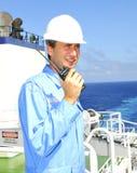L'officier de navigation parle par VH Photo stock