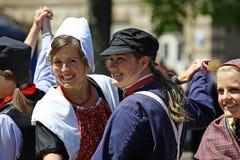 L'Olanda, Michigan, U.S.A., maggio 2017: Dancing olandese sulle vie di Holland Michigan durante la Tulip Time Fotografia Stock Libera da Diritti