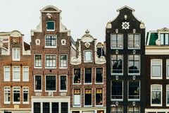 L'olandese alloggia la facciata nella città di Amsterdam Immagine Stock Libera da Diritti