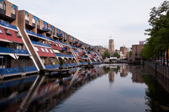 L'olandese alloggia la riflessione sull'acqua Immagine Stock