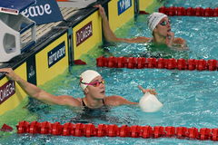 L'Olympien et le détenteur d'un record danois sprintent le nageur Jeanette Ottesen de style libre Photo libre de droits
