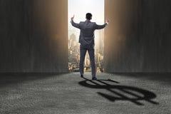 L'ombre de moulage de forme du dollar d'homme d'affaires dans le concept d'affaires Photos libres de droits