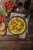 L'omelette degli uomini con chorizo Fotografia Stock Libera da Diritti