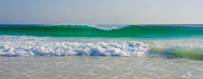 L'onda del turchese elimina Fotografia Stock