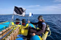 L'operatore subacqueo sta circa per cadere Fotografia Stock