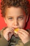 L'orange juteuse fraîche se livrent Photos stock