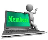 L'ordinateur portable de membres montre souscrire d'enregistrement et de Web d'adhésion Photos stock