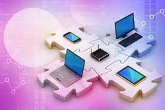 L'ordinateur portable et le serveur se relient dans les puzzles Photographie stock libre de droits