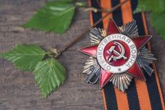 L'ordre soviétique de la deuxième guerre mondiale et de George ruban Victory Day concept de carte postale du 9 mai Image stock