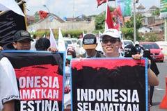 L'ORGANIZZAZIONE PACIFICA DIFENDE LA PALESTINA A YOGYAKARTA, INDONESIA immagini stock