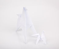 L'origami de la nouvelle année 2014 empaquette le cheval. Photo libre de droits