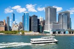 L'orizzonte del centro di Manhattan Immagini Stock Libere da Diritti