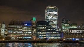 L'orizzonte della città di Londra alla notte Fotografia Stock