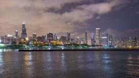 L'orizzonte di Chicago alla notte 4K stock footage