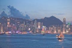 L'orizzonte di Hong Kong China poco tempo dopo il tramonto immagine stock libera da diritti