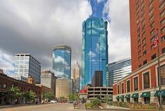 L'orizzonte di Minneapolis, Minnesota lungo la S Marquette Avenue Fotografie Stock Libere da Diritti