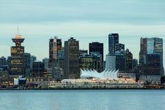 L'orizzonte di Vancouver con il posto del Canada nella priorità alta Fotografia Stock Libera da Diritti