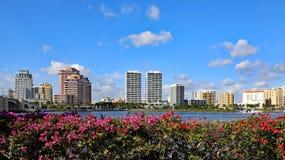 L'orizzonte di West Palm Beach del centro, Florida fotografia stock libera da diritti