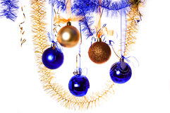 L'oro e le sfere blu di nuovo anno fotografie stock libere da diritti