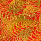 L'oro lascia, mette le piume, su un fondo rosso, al modello, elementi di progettazione Fotografia Stock