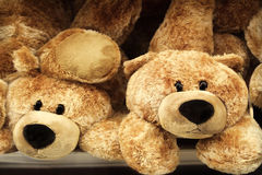 L'orsacchiotto sopporta i giocattoli Fotografia Stock Libera da Diritti