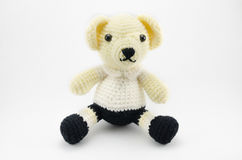 L'orso dello studente lavora all'uncinetto la bambola isolata Fotografia Stock Libera da Diritti