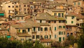 L'OS Sienne de toits Photo stock