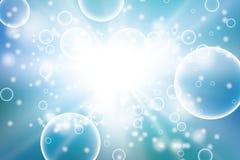 L'ossigeno bolle nel fondo blu dell'acqua per i concetti scientifici e biologici Cerchio trasparente, palla della sfera, acqua Fotografie Stock Libere da Diritti