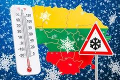 L'ouragan, les tempêtes de neige et l'hiver de neige fulminent dans le concept de la Lithuanie, Photographie stock libre de droits
